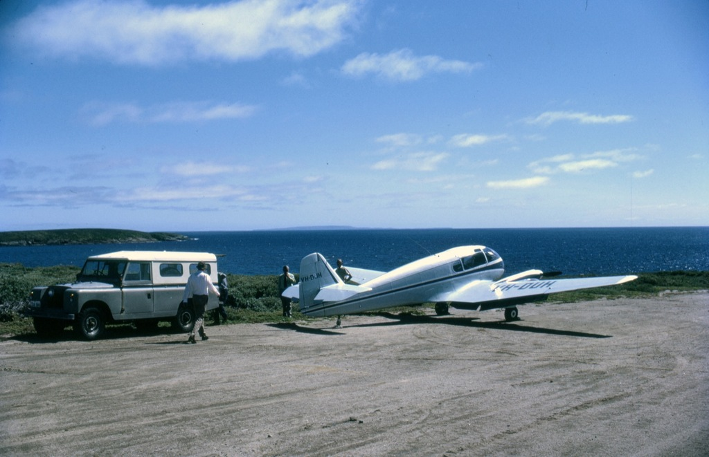 http://dev.mtchl.net/aviation/web-images/AC000003.jpg