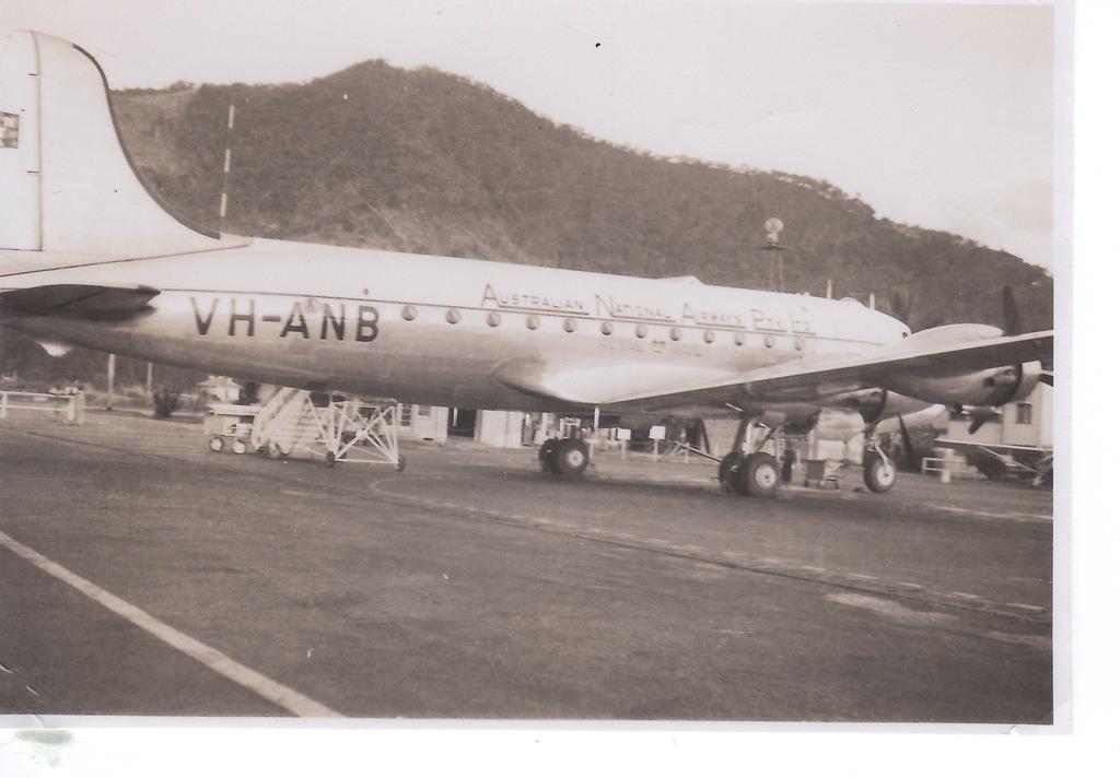 http://dev.mtchl.net/aviation/web-images/Aircraft Pic NU 029.jpg
